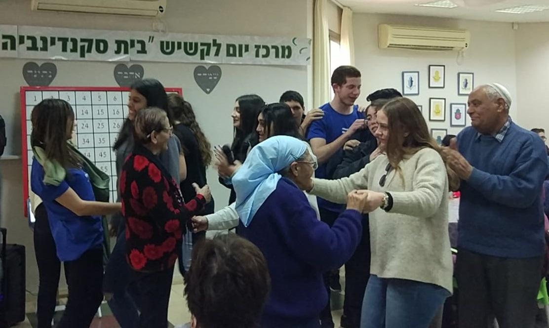 תלמידי רעננה מתנדבים בבאר שבע