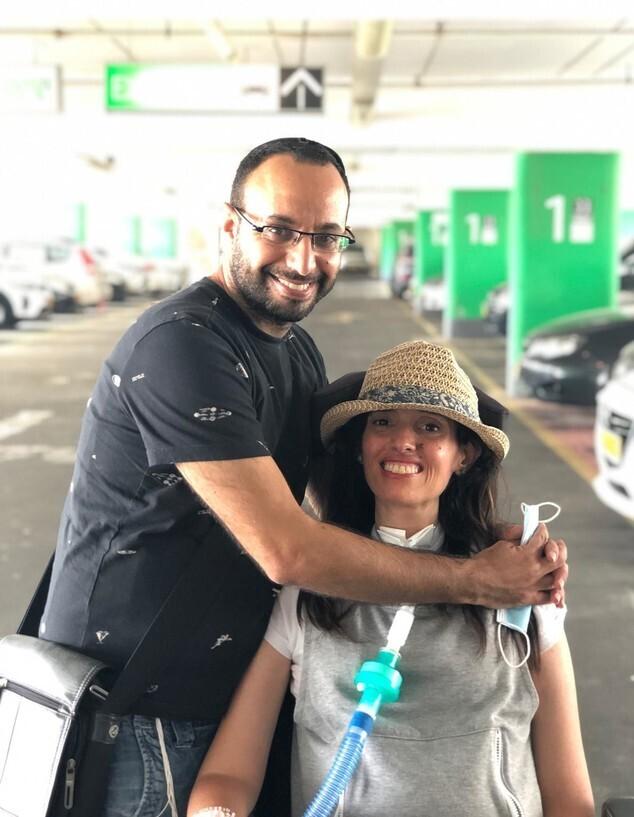 דבי עם בעלה עמיחי