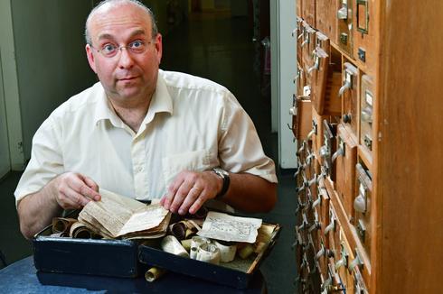 """""""העיסוק של יהודים במאגיה היה יום יומי במשך השנים"""". ד""""ר יואל פינקלמן   צילום: רפי קוץ"""