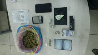 הסמים שנתפסו אצל הנער | צילום: דוברות המשטרה