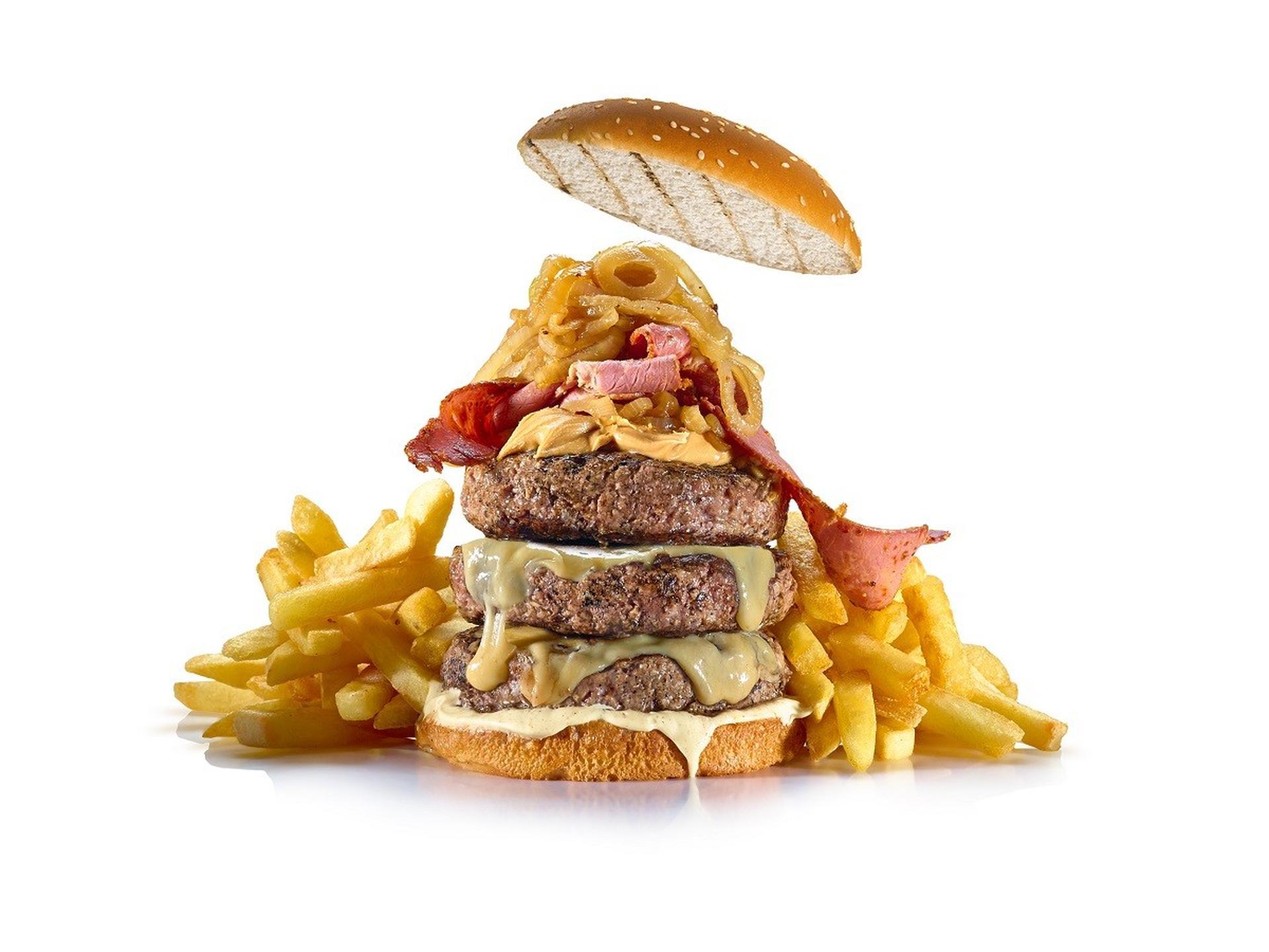 המבורגר אמריקה של רשת מסעדות בלאק. צילום: יורם אשהיים