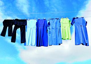 כשאתן מסתירות משהו תבחרו היטב את השעות שבהן אתן תולות כביסה | המחשה: shutterstock