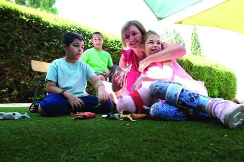 ג'ין עם הילדים | צילום: אסף פרידמן