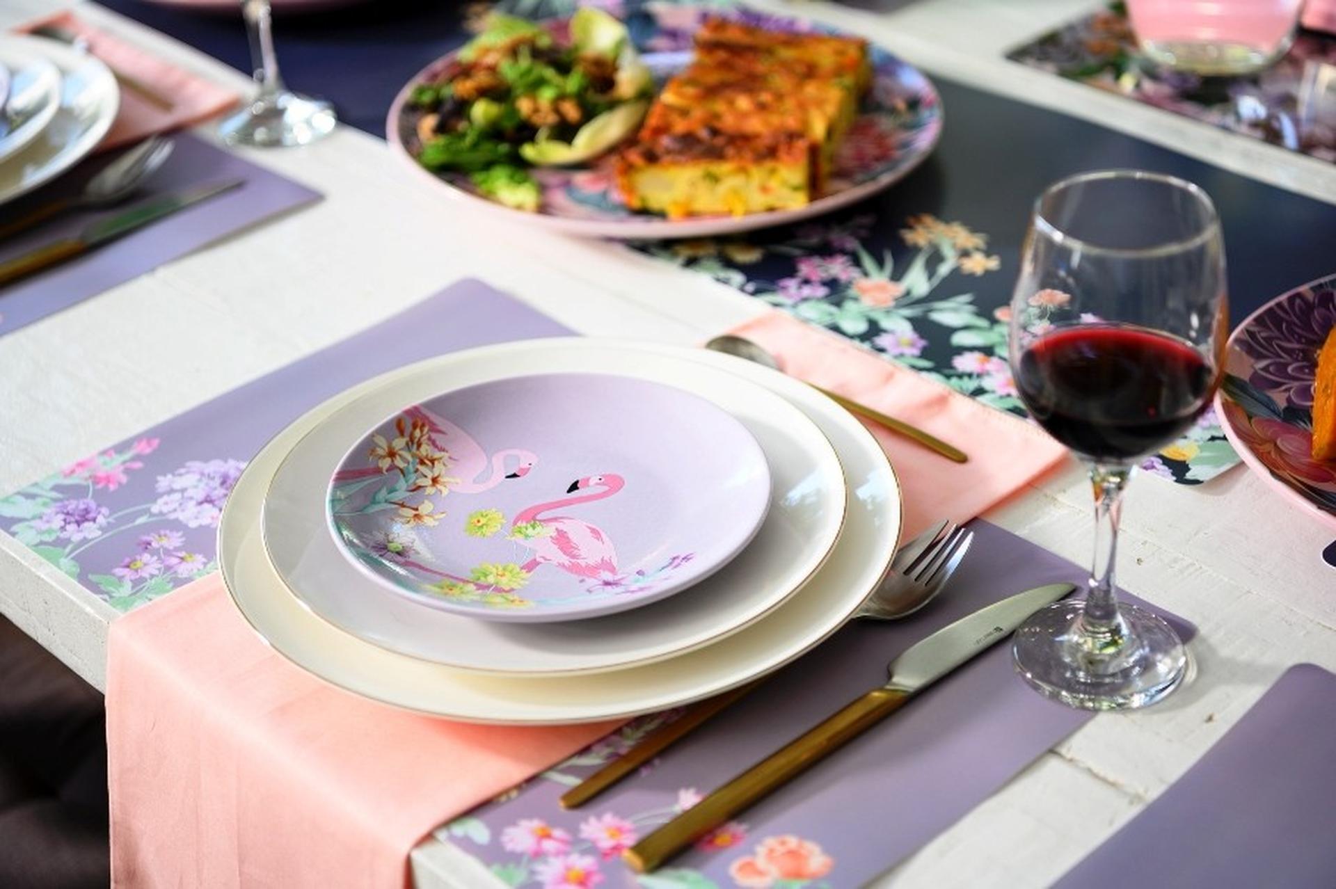 נעמן צבעוניות בשולחן החג סדרת פלורלס. צילום: תמי בר שי ודן לב