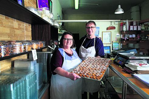 אסתי ודורון גליק בקפה רוסק | צילום: ריאן
