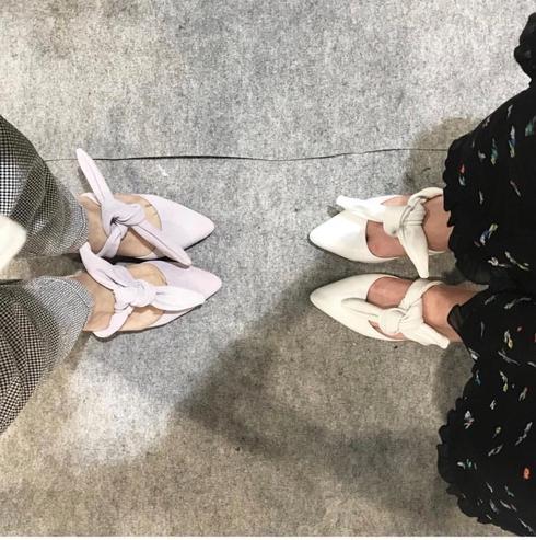 הנעליים האהובות מקולקציית NOON. צילום פרטי