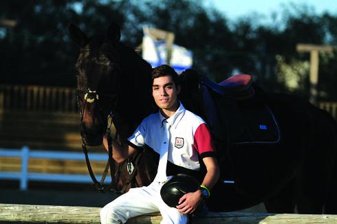 יוסי קמחי על הסוס. מגיל צעיר עובד כדי לממן את הרכיבה | צילום: אסף פרידמן